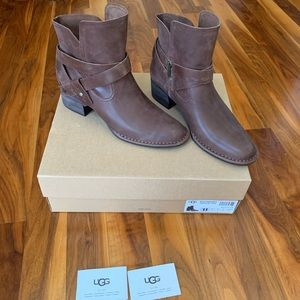 UGG Elysian tie ankle boot NEW